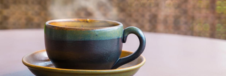 Dampfende Teetasse